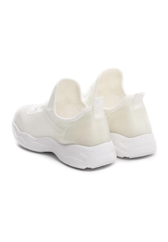 Білі Кросівки
