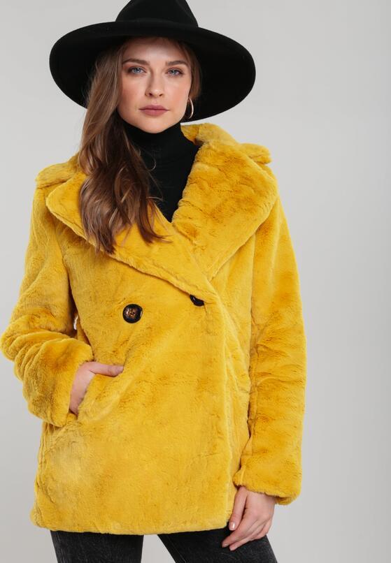 Жовте Пальто