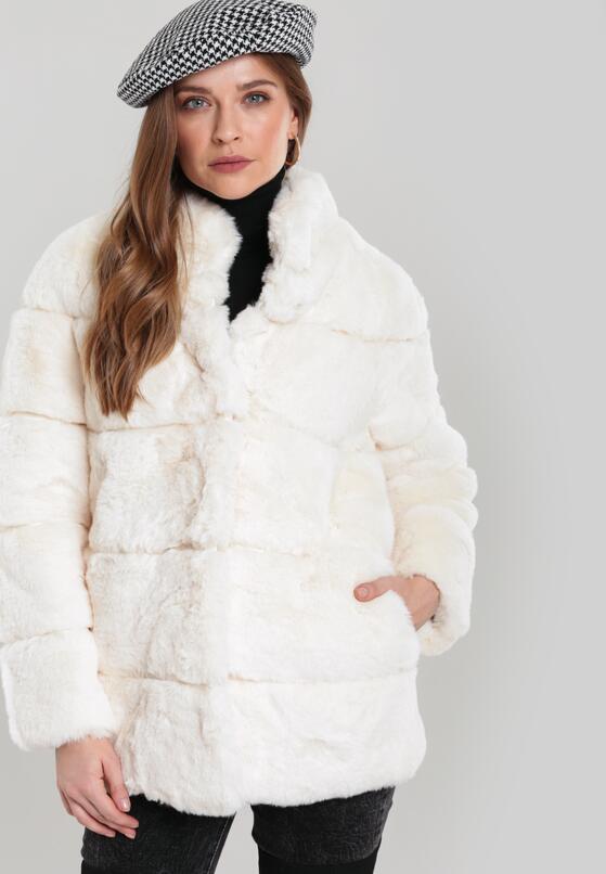 Кремова Куртка