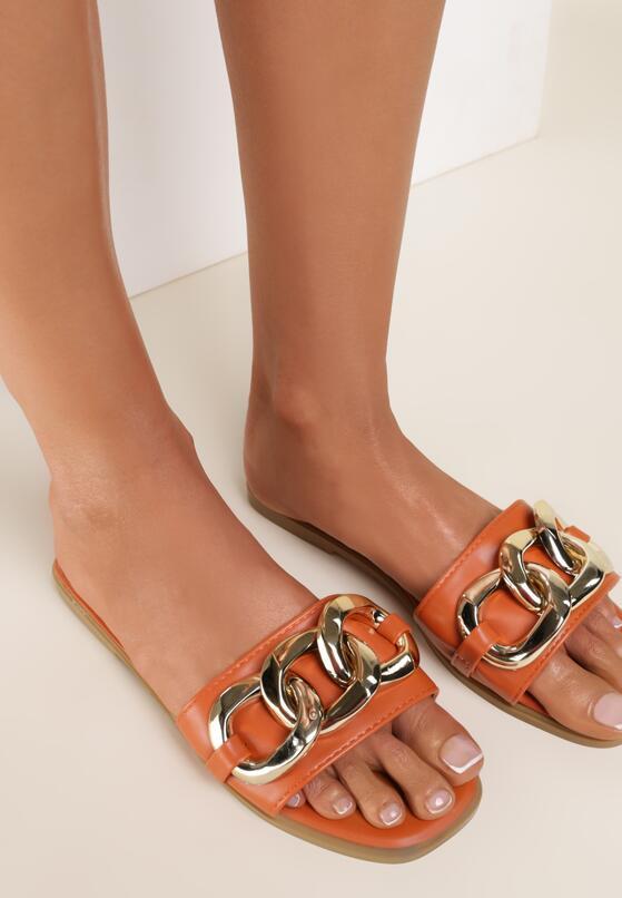 Оранжеві Шльопанці