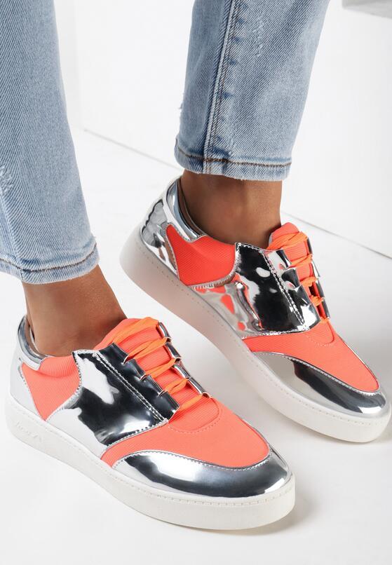 Оранжеві Кросівки