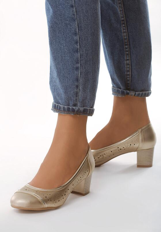 Золоті Туфлі
