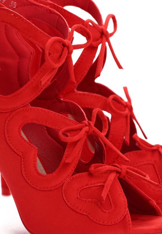 Червоні Босоніжки