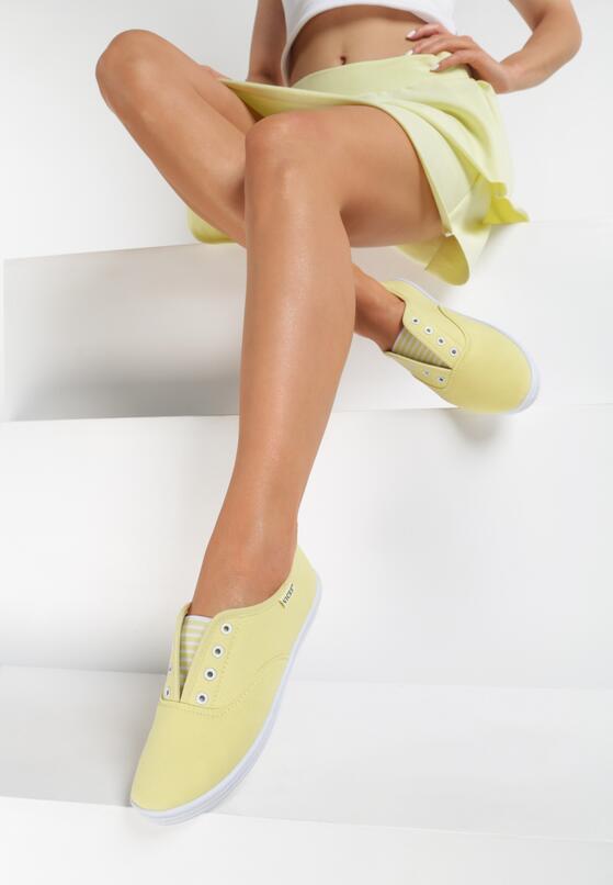 Жовті Мокасини