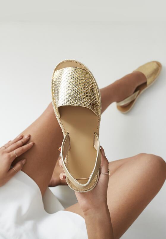 Золоті Сандалі