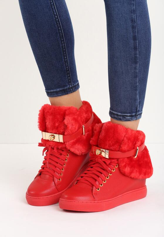 Красные Сникерсы