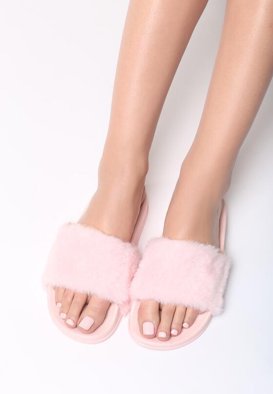 Рожеві Шльопанці
