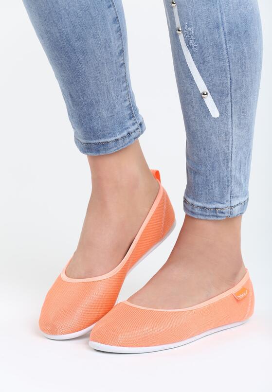 Оранжеві Мокасини