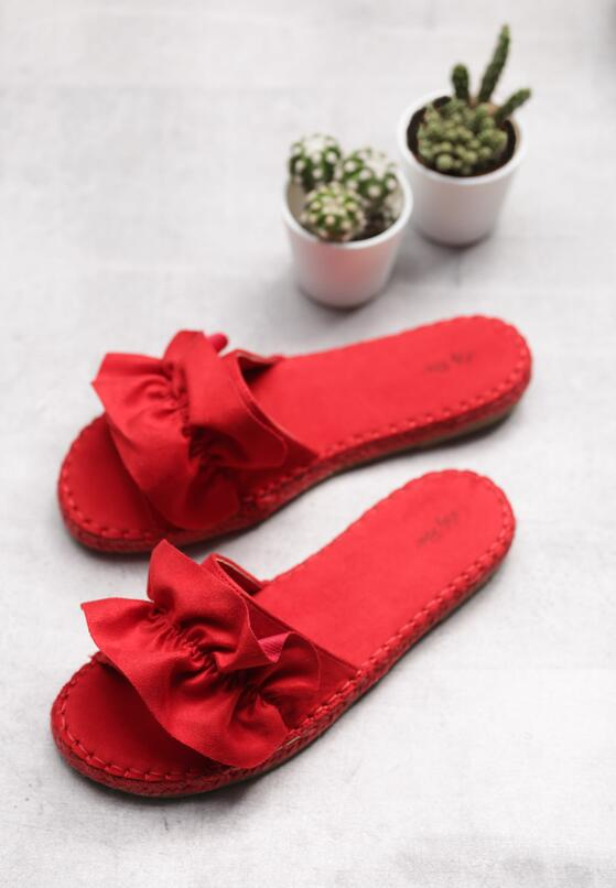 Красные Шлепанцы