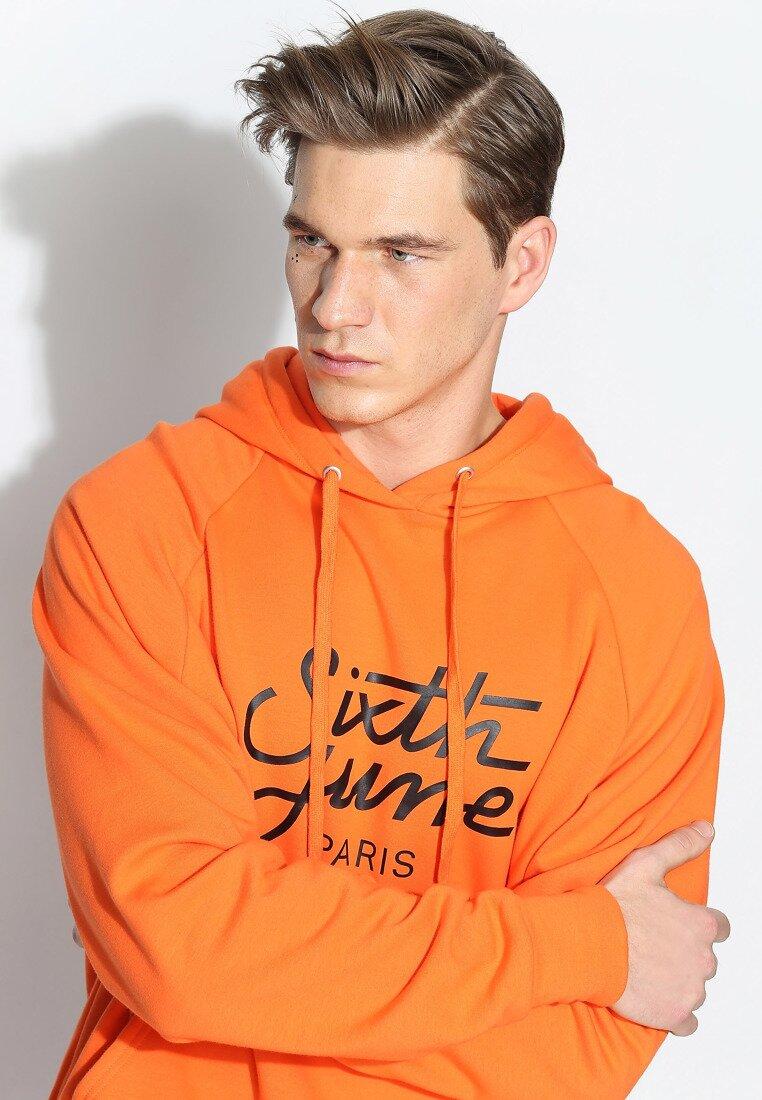 Оранжева Толстовка